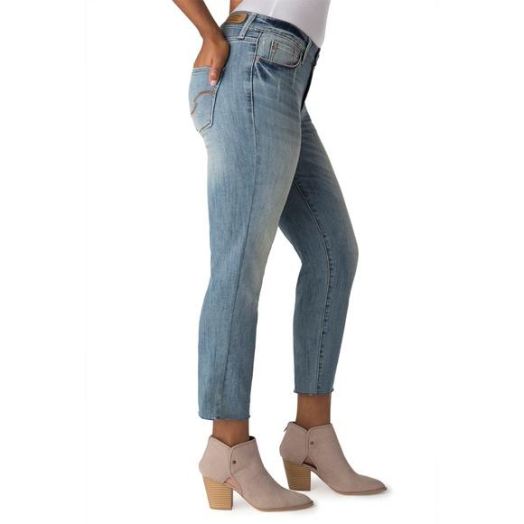 4e1f915ada1 Levi's Jeans | Levis High Rise Slim Frayed Hem Cropped Jean | Poshmark